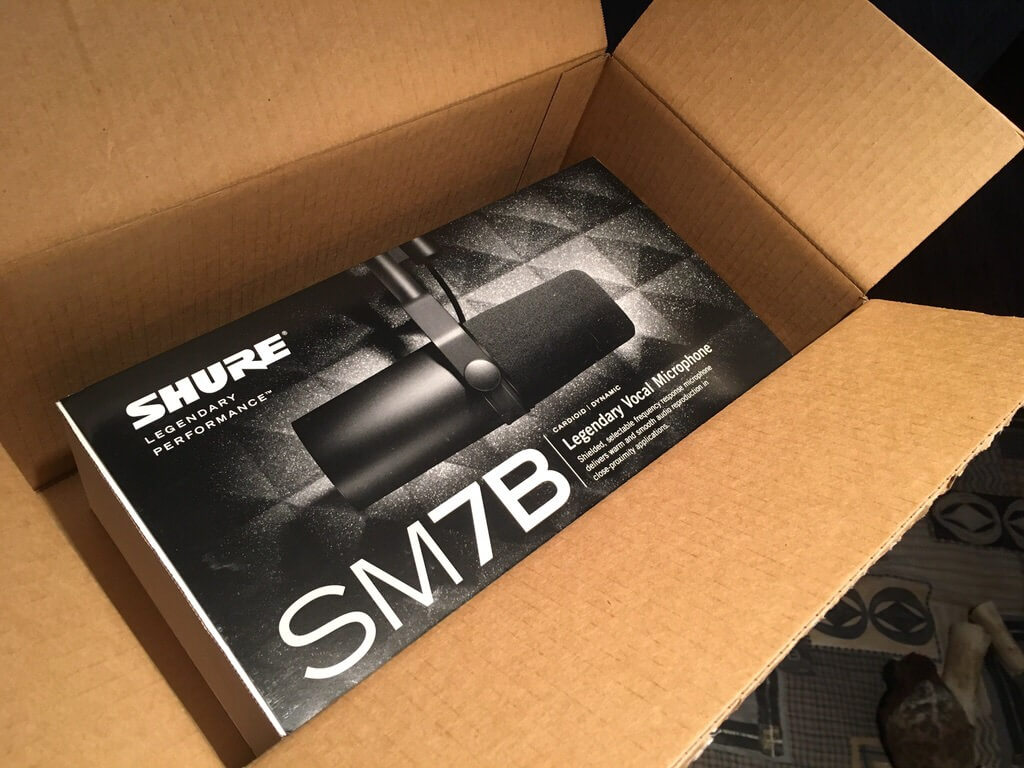 Shure SM7B Microphone Unboxing